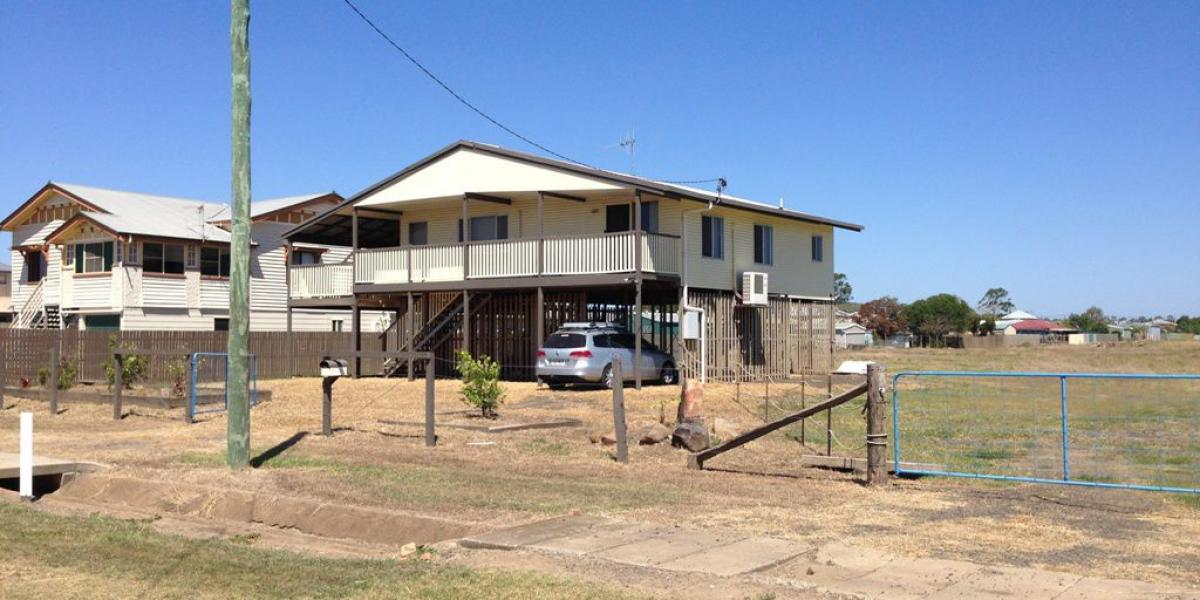 MASSIVE PRICE REDUCTION! HIGH AND DRY IN  NORTH...