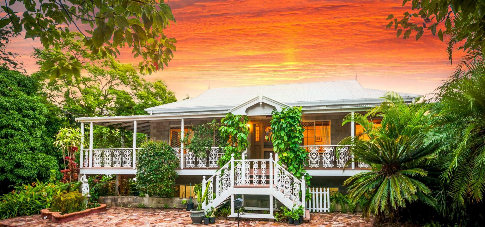 ACREAGE IN TOWN WITH A CLASSIC QUEENSLANDER