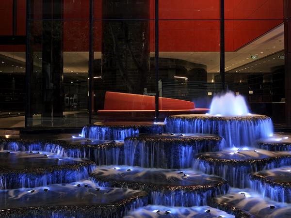 Lumiere water feature