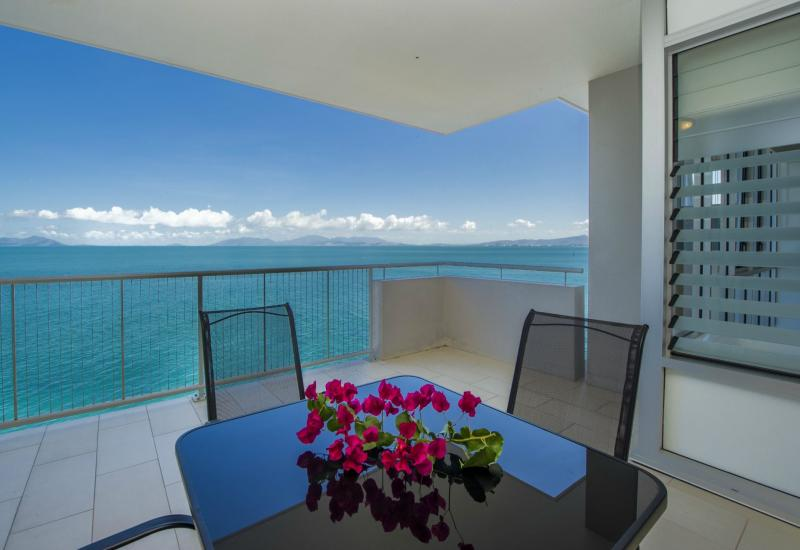 Absolute Oceanfront Luxury Apartment