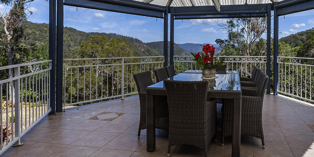 PRIVATE AND TRANQUIL WITH VIEWS COURTESY OF NATURE