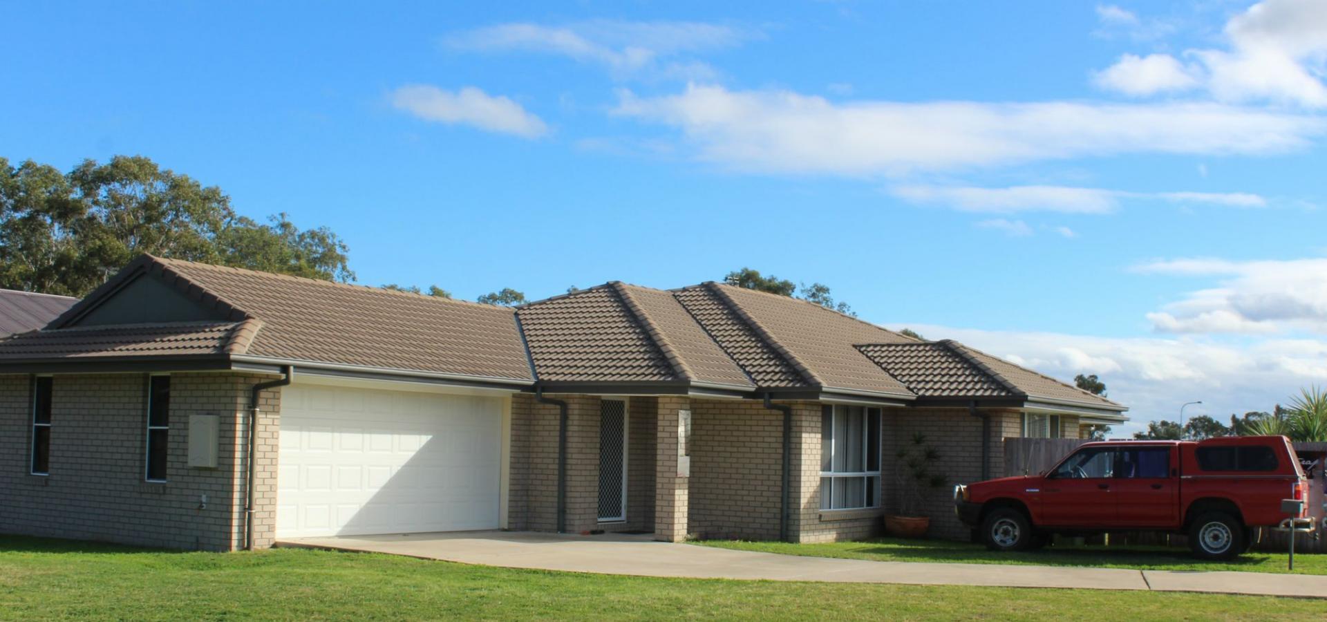 Massive Family Home - Quiet Location
