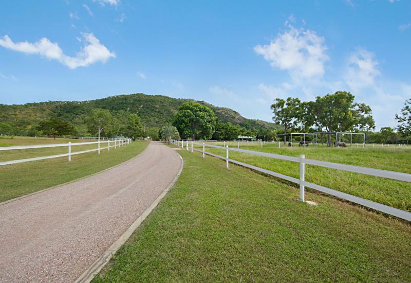 52 ACRE PARADISE FOR THE HORSE LOVER OR HOBBY...